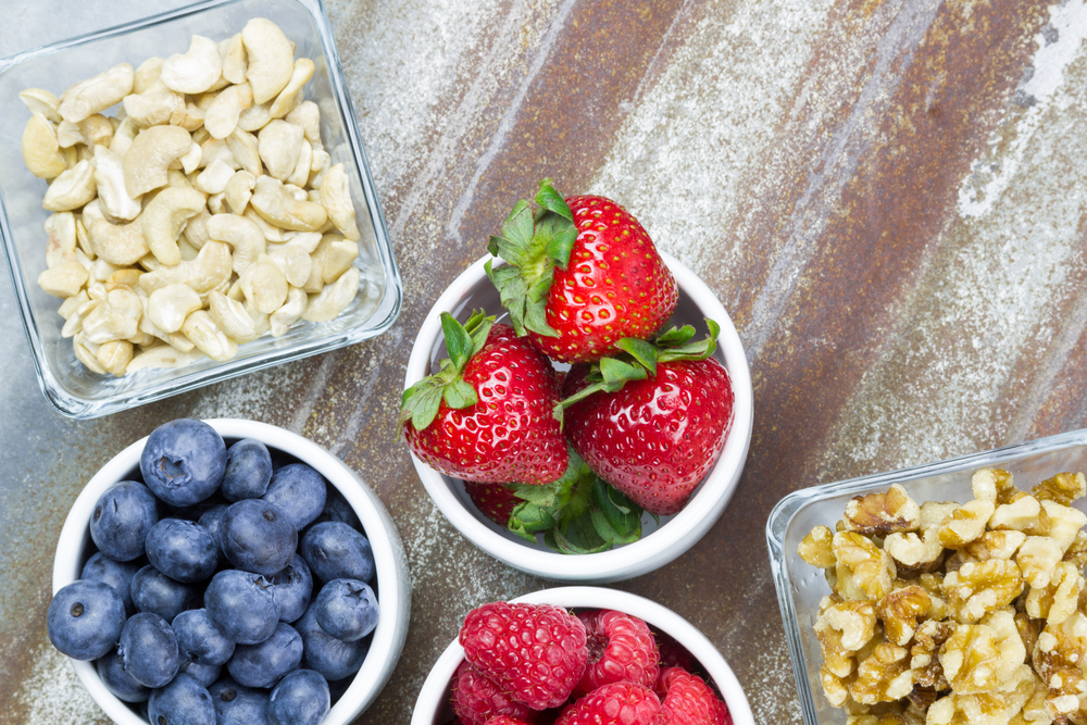 healthy fruit and nuts snack